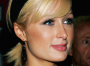 Paris Hilton s-a transformat in DJ
