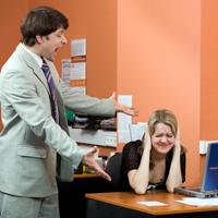 7 factori de stres la serviciu peste care nu poti sa treci