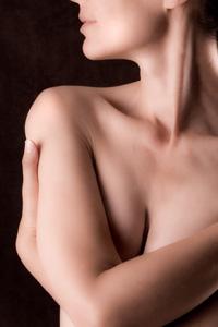 Femeile cu sanii mari – risc crescut de a face cancer de san