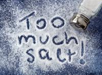 Persoanele care consuma foarte multa sare ar putea suferi de osteoporoza