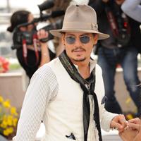 Johnny Depp o vrea inapoi pe Vanessa Paradis
