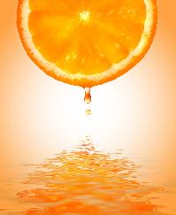 Sucul de portocale te infrumuseteaza natural