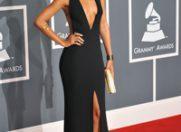 Rihanna isi va lansa propria colectie vestimentara