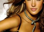 Alessandra Ambrosio arata incredibil la numai doua luni dupa nastere
