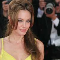 "Angelina Jolie: ""Copiii sunt cheia fericirii"""
