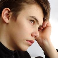 Tot mai multi adolescenti, predispusi la tulburari impulsive