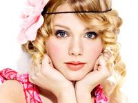 Taylor Swift, mai aproape de fani… live