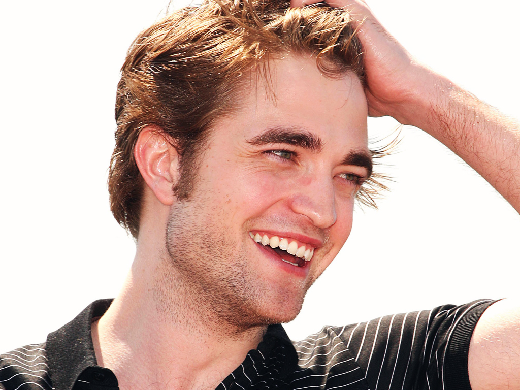 Robert Pattinson vrea sa se intalneasca cu Liberty Ross