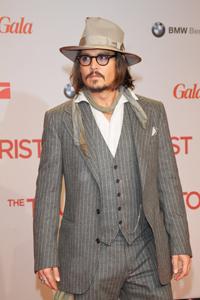 Alice Cooper vrea sa cante alaturi de Johnny Depp in turneu