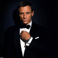 "James Bond moare, dar si invie in filmul ""Skyfall"""