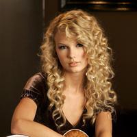 Taylor Swift formeaza un cuplu cu Robert Kennedy Jr.?