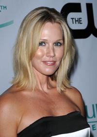 Jennie Garth, mult mai increzatoare in sine dupa despartire