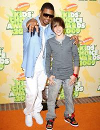 Usher vrea sa il convinga pe Justin Bieber sa devina vegetarian