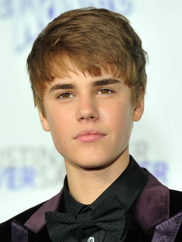 Justin Bieber, suparat pe presa in noua sa carte