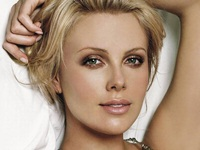 Charlize Theron are un nou iubit