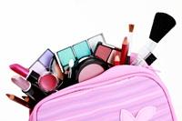 Cosmeticele… avem vreodata prea multe?