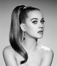 Revista Billboard a ales-o pe Katy Perry Femeia Anului 2012