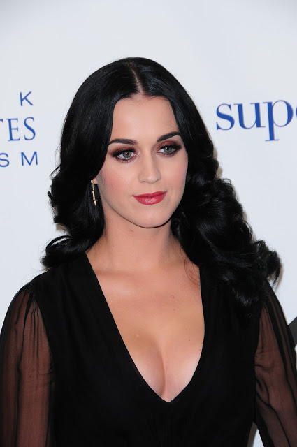 Katy Perry, in duet cu o fetita bolnava de autism