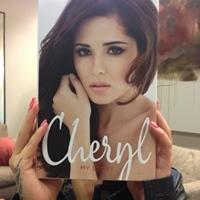 Cheryl Cole le-a aratat fanilor coperta celei de-a doua carti