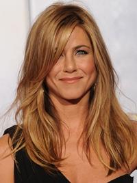 Mama lui Brad Pitt, invitat de onoare la nunta lui Jennifer Aniston