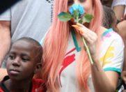 Lady Gaga, imagini emotionante cu copiii din Rio de Janeiro
