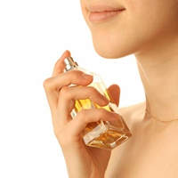 Parfumuri naturale versus parfumuri sintetice