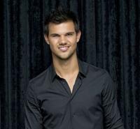 """Taylor Lautner, trist pentru ca franciza """"Twilight"""" a luat sfarsit"""