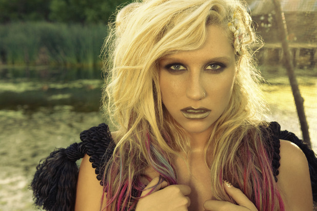 "Piesa ""Die Young"" by Ke$ha, retrasa din playlistul posturilor de radio din USA"