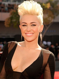 Miley Cyrus, atrasa de Katy Perry… in vis