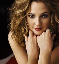 Drew Barrymore isi apara familia ca o leoaica