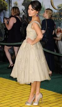 Cele mai frumoase rochii ale lunii februarie
