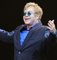 Sir Elton John se pregateste de lansarea unui noi album