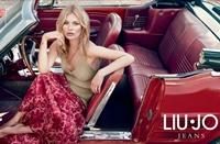 Kate Moss, seducatoare si ultra-feminina in shooting-ul pre-colectiei Liu Jo!