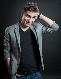 Andrei Leonte: iubeste actoria cat 2 si canta despre dragoste