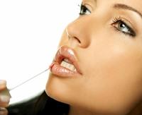 4 pasi simpli pentru obtinerea unor buze frumoase si sanatoase