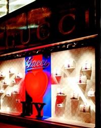 Brandul Gucci vrea sa cumpere o companie de ceramica