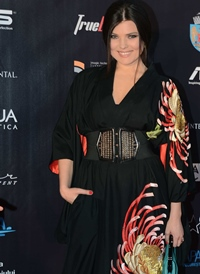 "Paula Seling, ""gheisa moderna"" la On Air Music Awards"