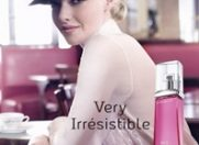 "Amanda Seyfried, ""Very Irrésistible"" pentru Givenchy"