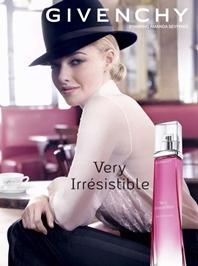 "Amanda Seyfried, ""Very Irrésistible"" pentru Givenchy"