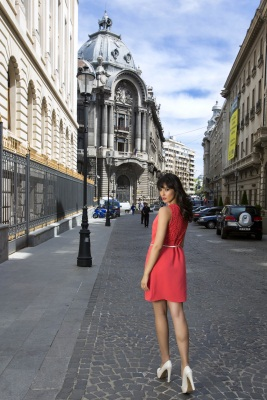 Alexandra Badoi, Lady in Red