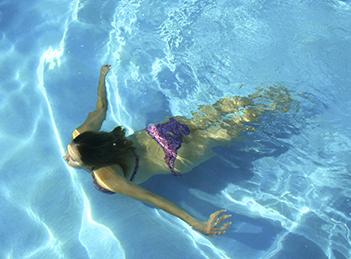 Clorul din piscine – dusmanul nevazut al pielii?