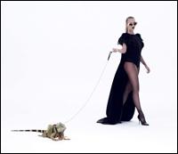 "Delia lanseaza videoclipul piesei ""U (Fighting With My Ghosts)"""