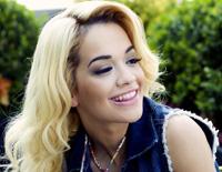 Rita Ora este o… Material Girl