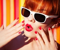 """Dress up your nails! 5 idei de unghii """"imbracate"""""""