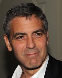 George Clooney, din nou singur