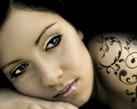 Ce pericole ascund tatuajele cu henna