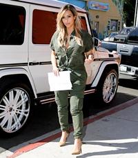 Kim Kardashian, silueta de invidiat la cateva luni de la nastere