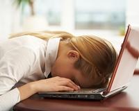 Motivele surprinzatoare pentru care te simti epuizata la birou