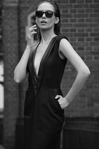 """Designerul Andra Andreescu: """"Imaginea pe care o abordam poate stabili punti de comunicare sau le poate intrerupe"""""""