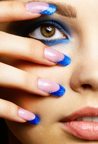 Oja glitter – seducatoare si in trend